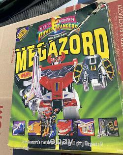 Bandai Mighty Morphin Power Rangers Deluxe Set Megazord Action Figure